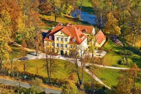 Pin von Agnes auf Castles, palaces,manors and residences