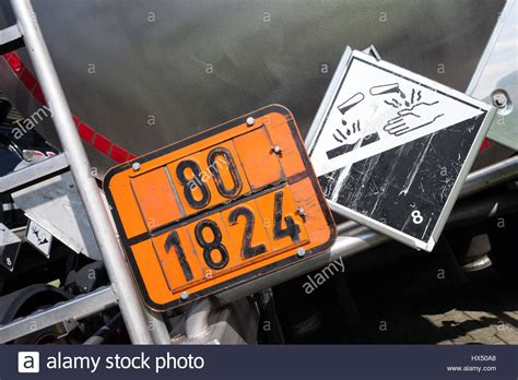 orange-colored plate with hazard-identification number 80
