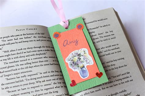 How to Make a Tagboard Bookmark: 6 Steps (with Pictures